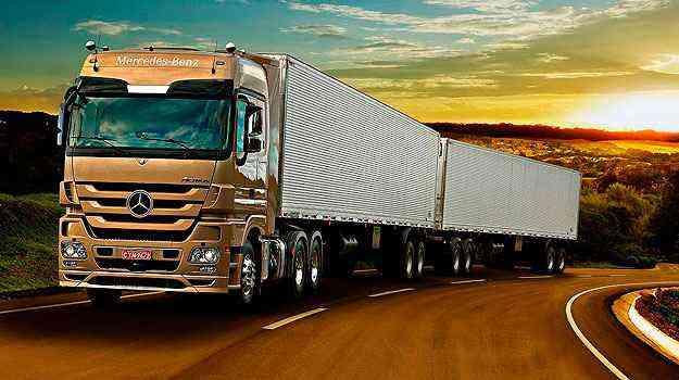 Unidade mineira produz o caminhão extra-pesado Actrus - Mercedes-Benz/Divulgação