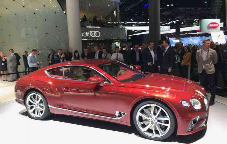 O Continental GT possui uma motor 6.0 biturbo w12 de 635 cv de potência - Jorge Moraes/DP