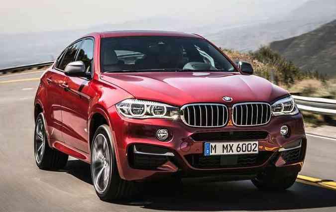 BMW X6M tem motor 4.4 V8 biturbo (foto: BMW/Divulgação)