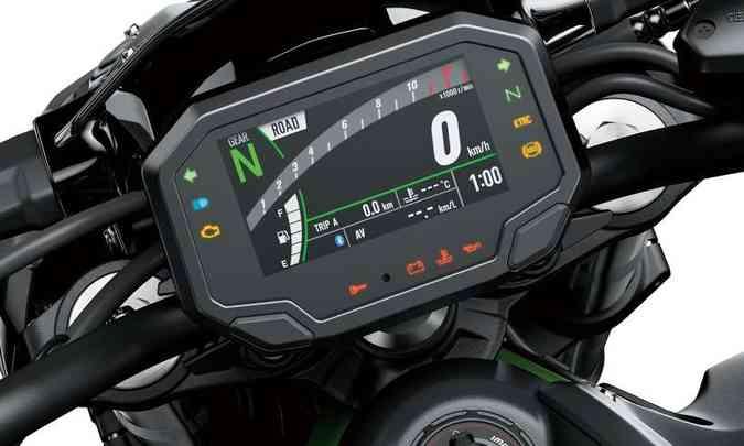 O painel em tela TFT permite o espelhamento do celular(foto: Kawasaki/Divulgação)