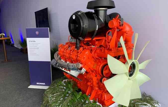 Motor V8 à gás. Foto: Thays Martins/ DP