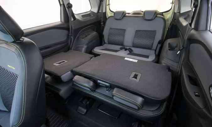 A terceira fileira de bancos conta com cintos de segurança retráteis e apoios de cabeça(foto: Chevrolet/Divulgação)