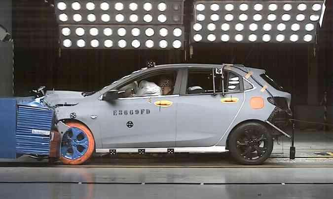 No teste de impacto do Latin NCAP o novo Chevrolet Onix recebeu nota máxima na proteção para adultos e crianças(foto: Latin NCAP/Divulgação)