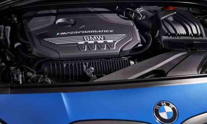 O motor 2.0 turbo desenvolve 306cv de potência e 45,9kgfm de torque(foto: BMW/Divulgação)