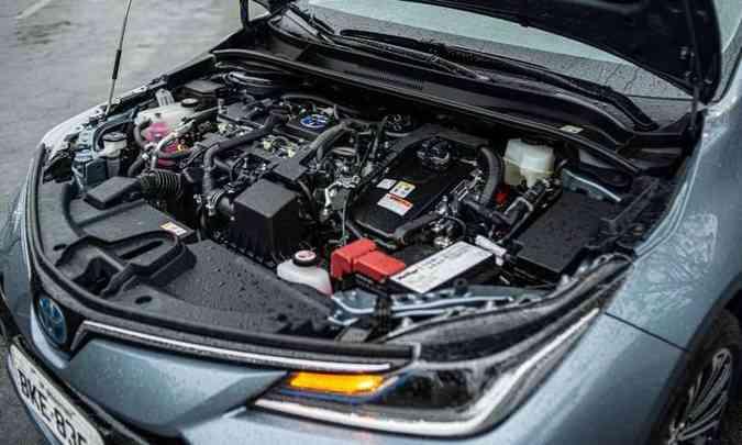 O motor 1.8 16V fornece 101cv e 14,5kgfm de torque quando abastecido com etanol(foto: Jorge Lopes/EM/D.A Press)