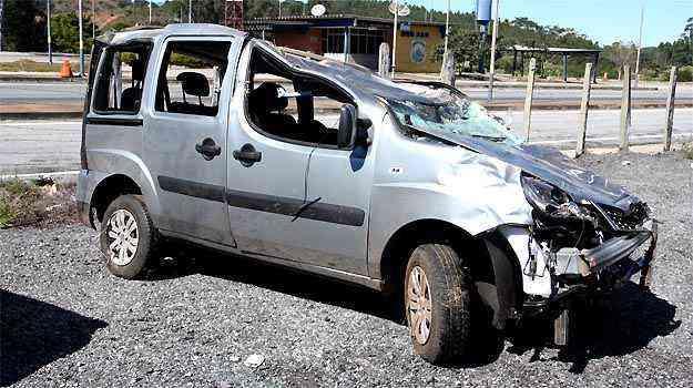 A ocupante do banco traseiro perdeu a vida por não usar o cinto de segurança - Edésio Ferreira/EM/D.A PRESS