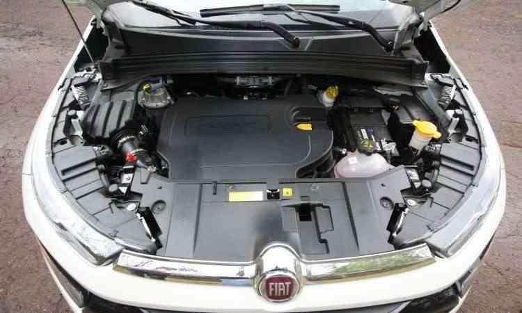 O motor 2.0 a diesel tem bom torque e fica mais bravo depois das 2.000rpm - Edésio Ferreira/EM/D.A Press