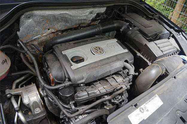Câmbio antiquado rouba o brilho do eficiente motor 2.0 turbo  -