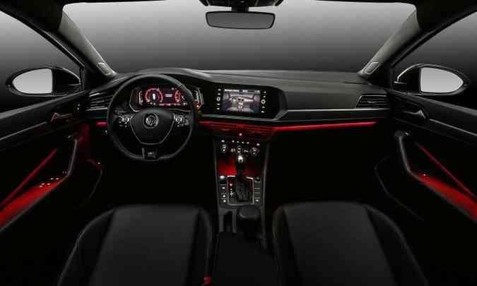 Interior com acabamento de boa qualidade tem iluminação em cores variadas(foto: Pedro Danthas/Volkswagen/Divulgação)