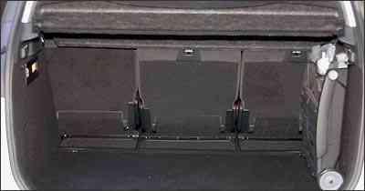 Porta-malas leva a bagagem sem arrumação -  Jorge Gontijo/EM/D.A Press