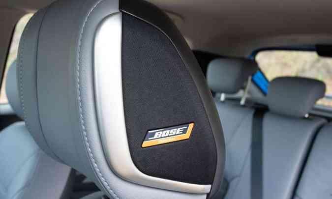 O sistema de som Bose inclui alto-falante no apoio de cabeça do banco do motorista(foto: Jorge Lopes/EM/D.A Press)