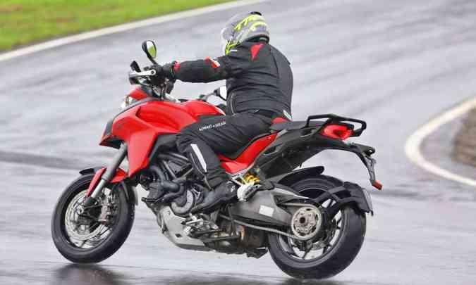 O motor de dois cilindros em L fornece 159cv(foto: Mario Villaescusa/Ducati/Divulgação)