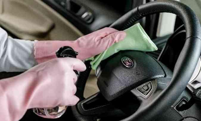 No interior do carro, todos os componentes que são tocados por motorista e passageiros são desinfectados(foto: Ford/Divulgação)