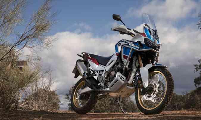 No asfalto ou em velocidade, a Adventure Sports tem para-brisa maior(foto: Caio Mattos/Honda/Divulgação)