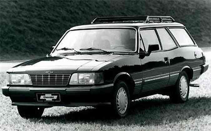 Versão mais luxuosa da Caravan, Diplomata; perua saiu de linha junto com o Opala, em 1992(foto: Arquivo EM)