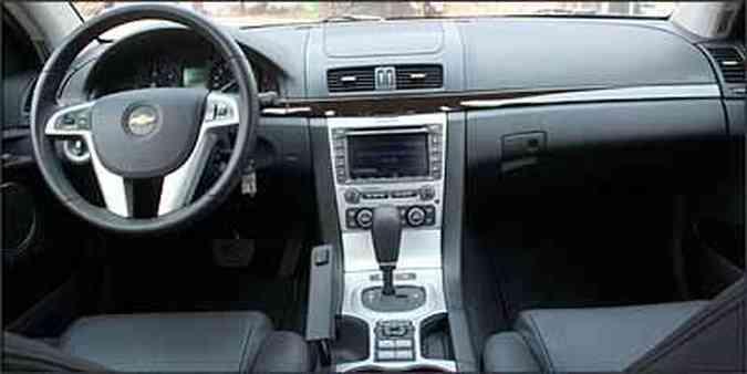 É fácil encontrar boa posição de dirigir, mas volanteé fino(foto: Fotos: Marlos Ney Vidal/EM - 26/907)