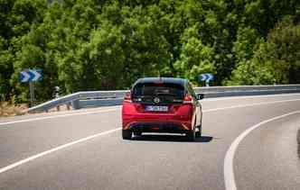 Pro-Pilot pode ser ativado a velocidades de até 100 km/ h. Foto: Nissan / Divulgação