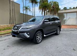 Toyota Hilux Sw4 Srx Diamo. 4x4 2.8 Tb Die Aut. em Belo Horizonte, MG valor de R$ 335.000,00 no Vrum