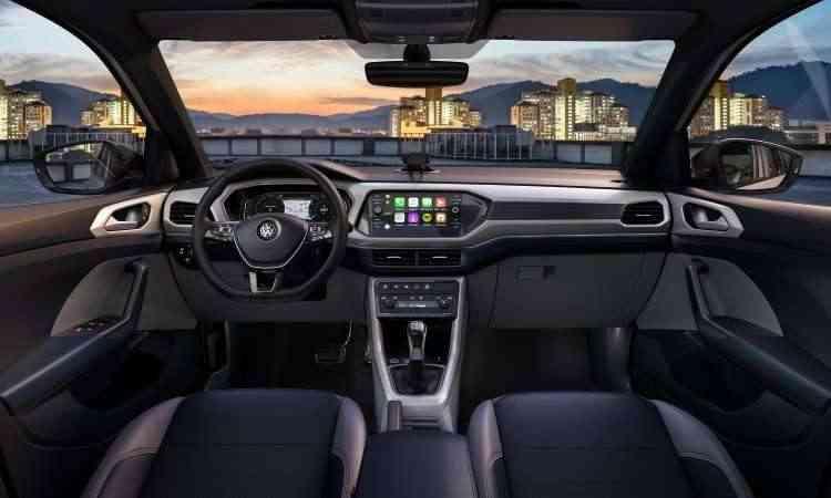 O painel tem desenho moderno, horizontalizado, com sistema multimídia que lembra um tablet - Volkswagen/Divulgação