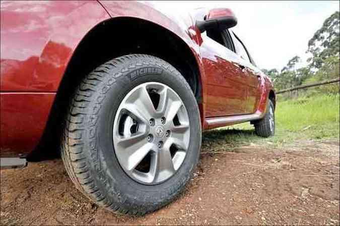 Rodas de liga leve aro 16 polegadas são de série(foto: Juarez Rodrigues/EM/D.A Press)