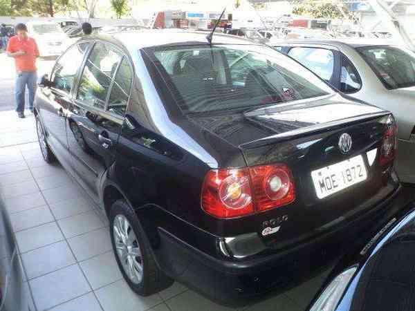 Volkswagen Polo Sedan I Motion  1.6 Total Flex  4p