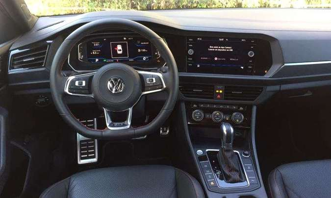 Quadro de instrumentos digital pode ser configurado conforme o gosto do motorista(foto: Enio Greco/EM/D.A Press)
