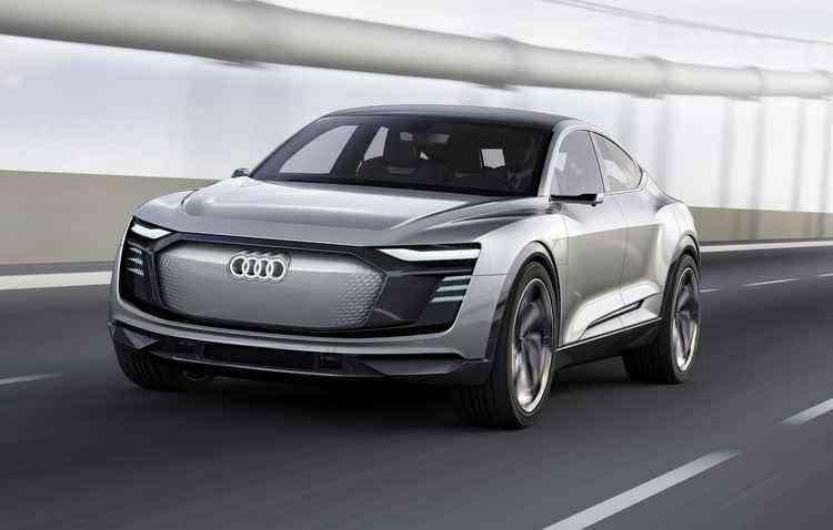 Audi prepara automóveis que produzem eletricidade através de painéis solares