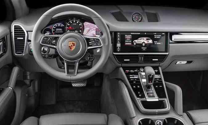 Na versão Turbo, o volante traz um seletor de modos de condução e outros comandos(foto: Enio Greco/EM/D.A Press)