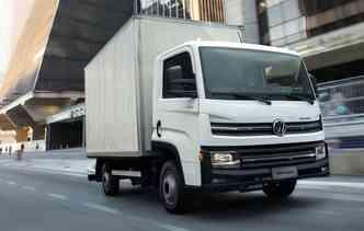 Caminhão, que tem rodagem simples, pode ser conduzido por motoristas que possuem CNH na categoria B. Foto: Volkswagen / Divulgação