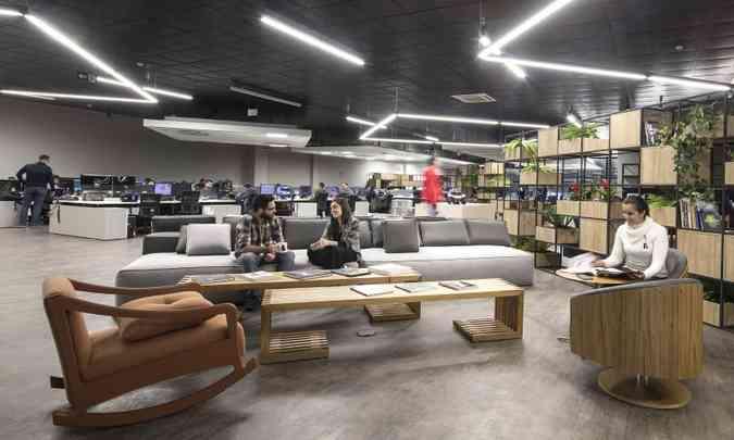 Arquitetura em conceito aberto estimula a interação da equipe(foto: Léo Lara/Fiat/Divulgação)