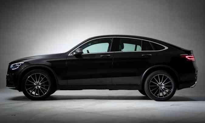 No Coupé, as rodas são de 20 polegadas e o kit AMG completa o visual esportivo(foto: Estúdio Malagrine/Mercedes-Benz/Divulgação)