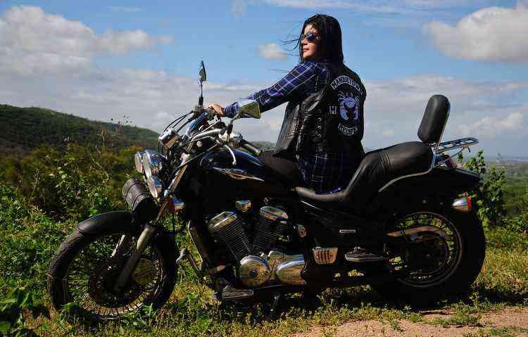 Mary Helen criou um motogrupo para celebrar a paixão pelas duas rodas - Paulo Paiva / DP