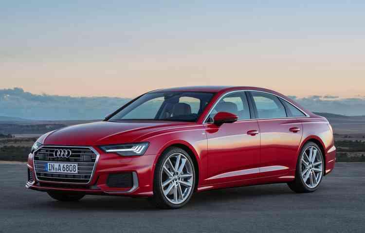 Modelo tem duas motorizações disponível, ambas híbridas e com a tecnologia MHEV. Foto: Audi / Divulgação -