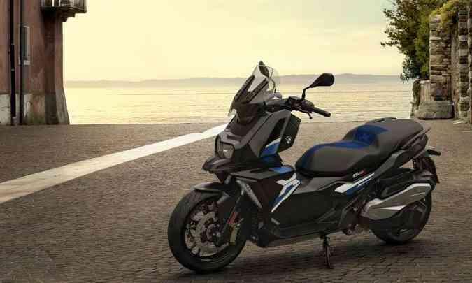 O modelo C 400 X tem decoração mais esportiva, com inspiração na linha GS(foto: Fotos: BMW/Divulgação)