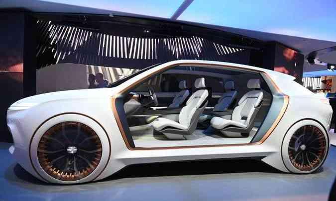 Linhas do conceito FCA Airflow Vision ficariam bem em um SUV(foto: Mario Tama/AFP)