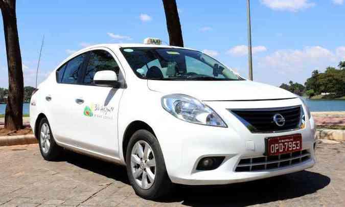 Modelo é o 2013, ainda importado do México, na versão SL(foto: Nissan/Divulgação)