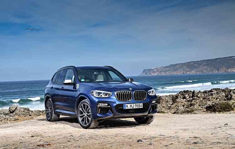 BMW X3 M40i dividirá a linha de produção com  a versão xDrive30i X Line, a Série 3 sedã, o X1 e o X4. Foto: BMW / Divulgação -