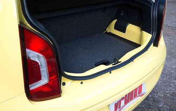 Porta-malas leva 285 litros(foto: Thiago Ventura/EM/D.A Press)