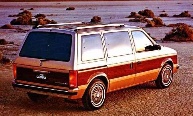 Dodge Caravan foi outra 'invenção' da era Chrysler, inaugurando o segmento das minivans(foto: Daimler Chrysler/Divulgação)