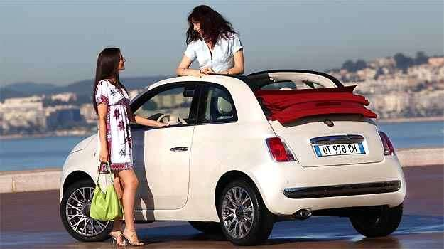 Capota retrátil do Fiat 500 confere charme especial ao modelo - Fiat/Divulgação