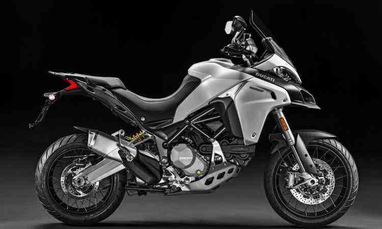 O motor de dois cilindros em L tem comando desmodrômico variável - Ducati/Divulgação