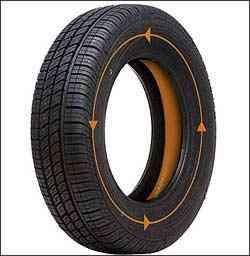 O selante que se adere à parte interna da banda de rodagem não compromete o balanceamento do pneu - Ride-On/Divulgação