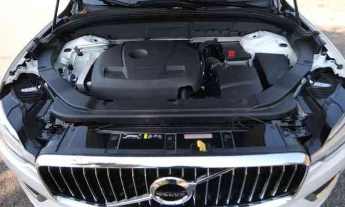 Motor 2.0 litros turbo com injeção direta de gasolina desenvolve 254cv de potência (foto: Leandro Couri/EM/D.A Press)