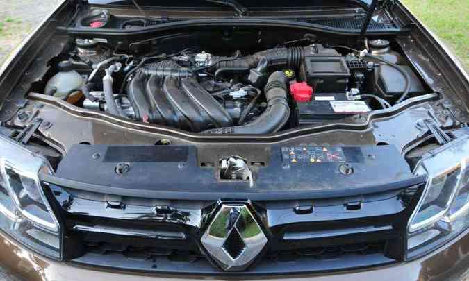 O novo motor 1.6 16V SCe garante desempenho e consumo apenas razoáveis(foto: Gladyston Rodrigues/EM/D.A Press)