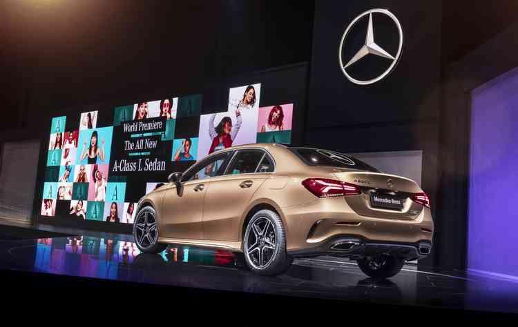 Mesmo com o capô alongado, tamanho do porta-malas do sedã é o mesmo do hatch  - Mercedes-Benz/Divulgacao