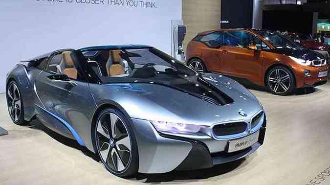 BMW levou dois conceitos, o i3 Coupe e o i8 Spyder Plug-in Hybrid(foto: Marcello Oliveira/EM/D.A Press)