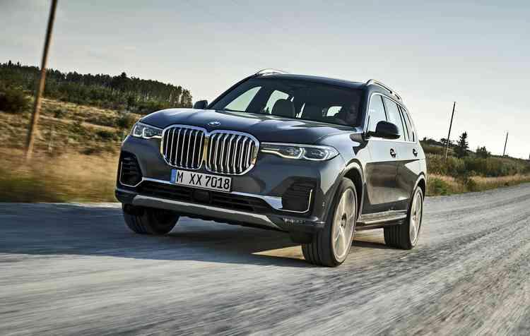 Modelo será fabricado nos Estados Unidos e chega ao mercado global em março do próximo ano. Foto: BMW / Divulgação -