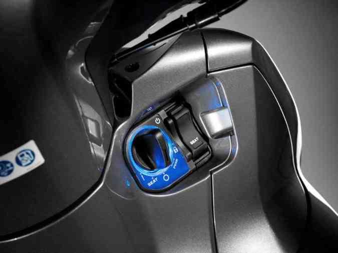 A chave é do tipo inteligente, que reconhece e libera a ignição por aproximação(foto: Honda / Divulgação)