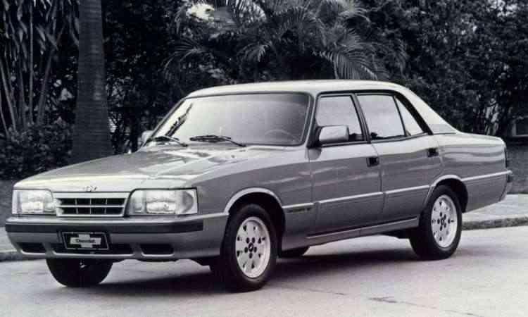 Opala Diplomata 1992, quando modelo já havia ganhado sua última reestilização e estava disponível só como sedã - Chevrolet/Divulgação