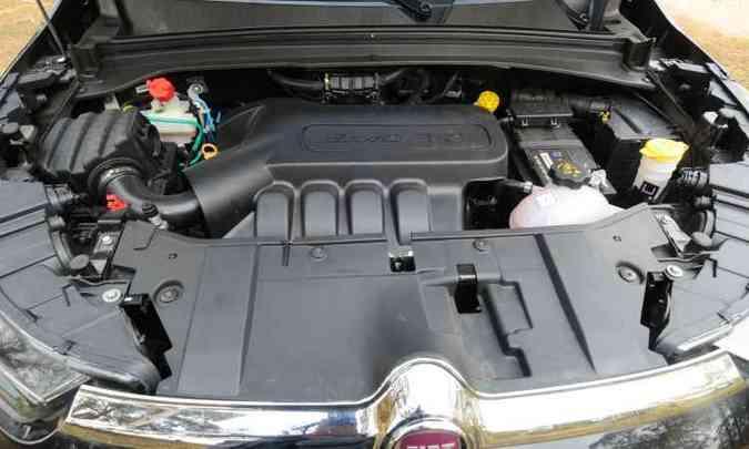 Motor gera 139cv com etanol, mas é pouco para o peso da picape(foto: Jair Amaral/EM/D.A Press)
